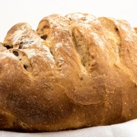 Cracked black pepper and fig bread
