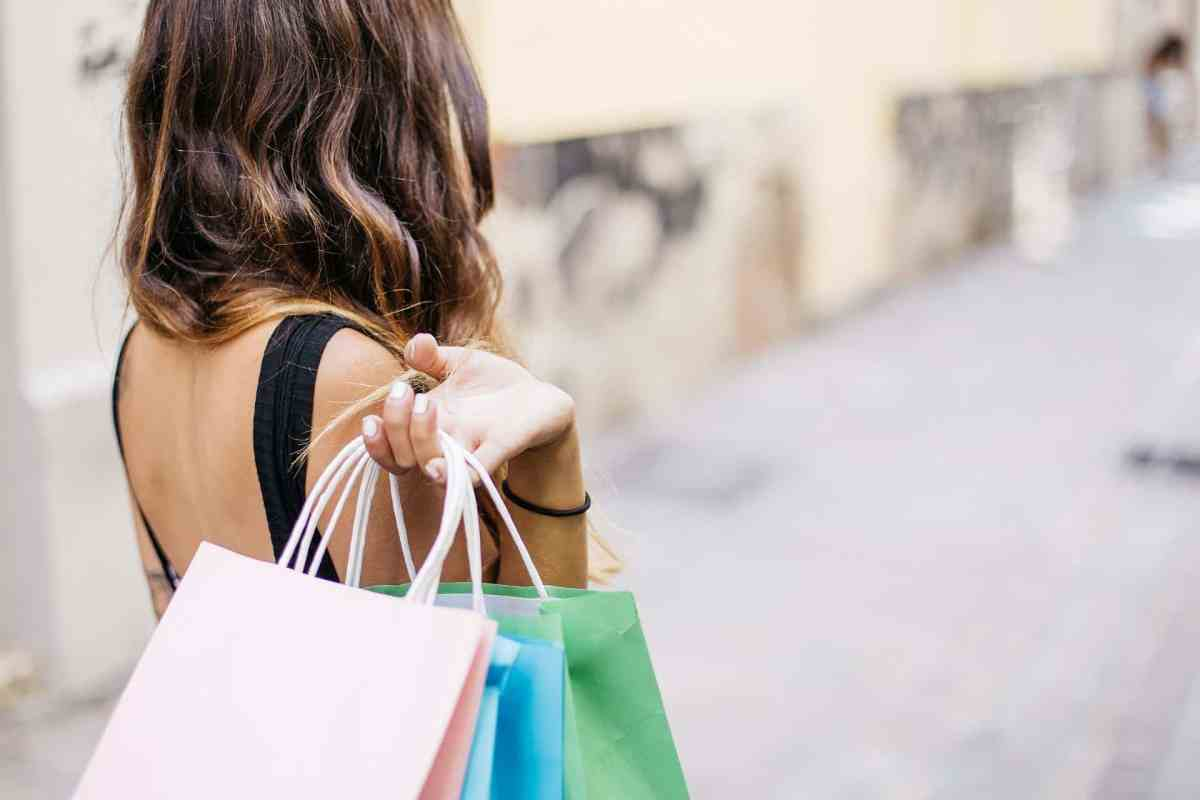woman mystery shopping