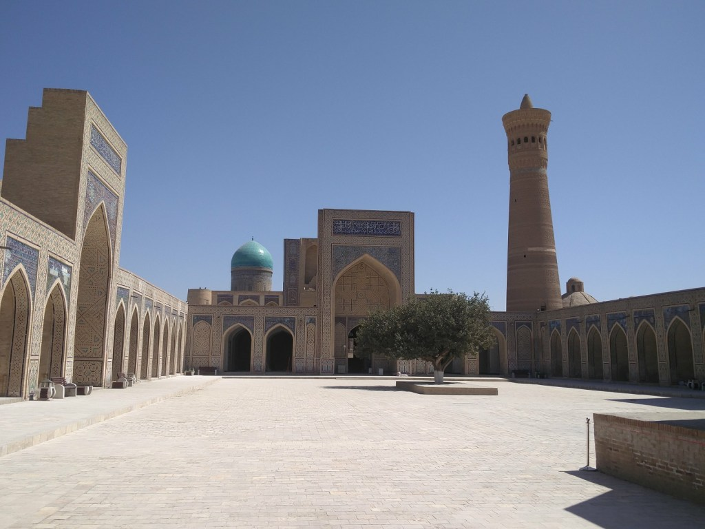 kalan mosque uzbekistan