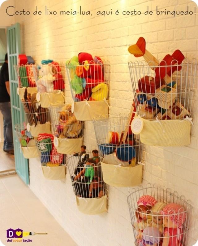 organiser les jouets de bébé et des enfants