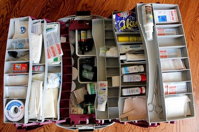 Ranger son armoire pharmacie bee organis e - Comment bien ranger son armoire vetement ...