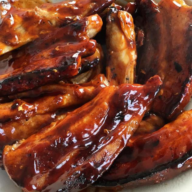 Snack 2 of 3 from sneaky Sunday funday had no intention of anything other than some beers with @mick_sgro and of course we needed morsels to snack on. Might make a recipe out of this one they are tasty little suckers #searchforflavor #porkspareribs