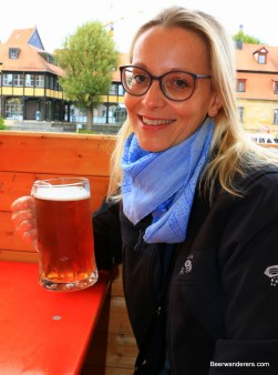 pretty blond with beer