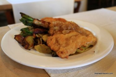 schnitzel with string beans