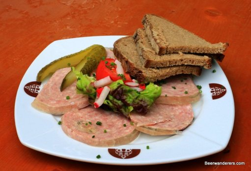 cold cuts with bread and pickel