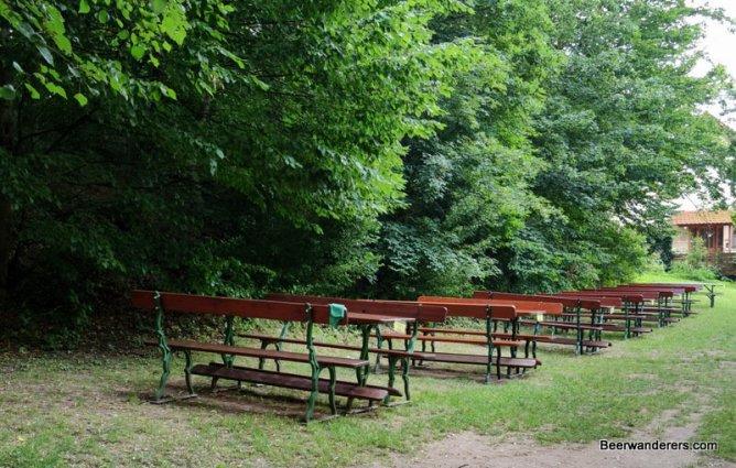 bierkeller seating