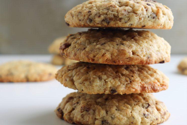chocolate pecan crumble cookies