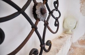details vacation villa in Puglia