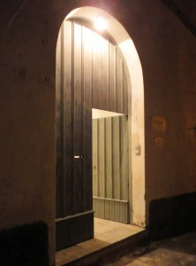 Entrance by Night Palazzo San Giovanni BeeYond Travel