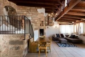 Living Room Quiet and Luxury Villa close to beach