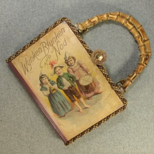 Wynken, Blynken and Nod Tablet Book Purse