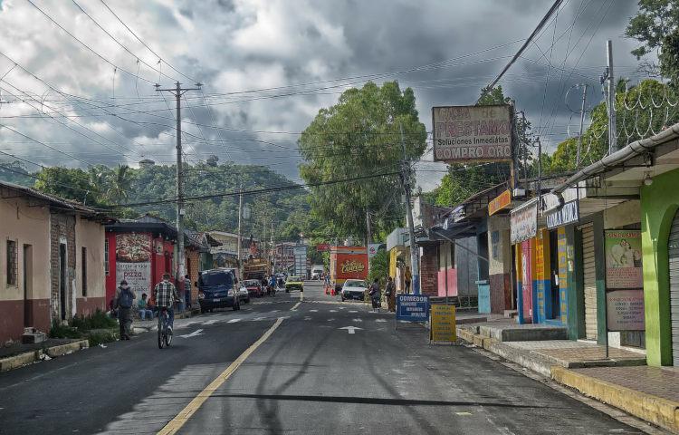 El Salvador Surf Camps