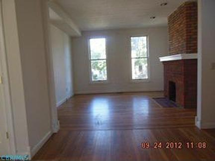 living room - empty - before (2)