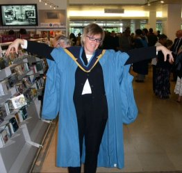 MBA robe