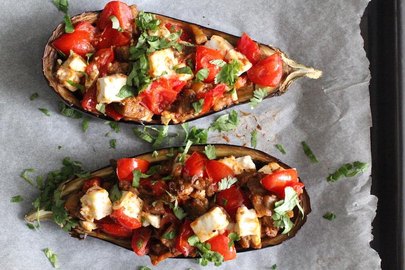 Vegetarische gevulde aubergine