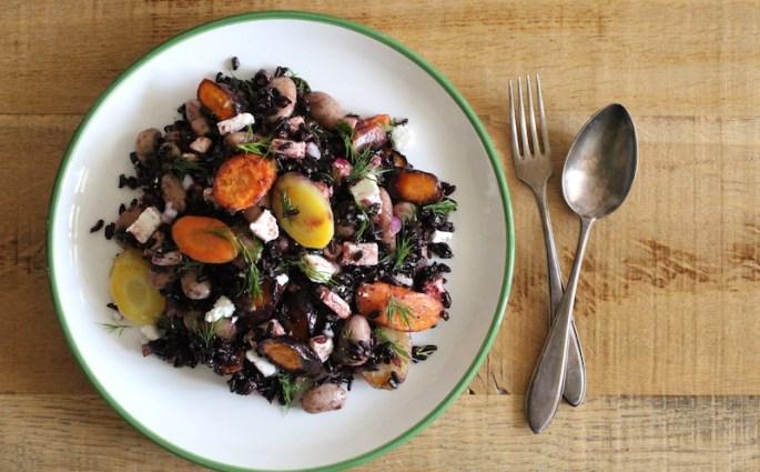 zwarte rijst salade met groenten