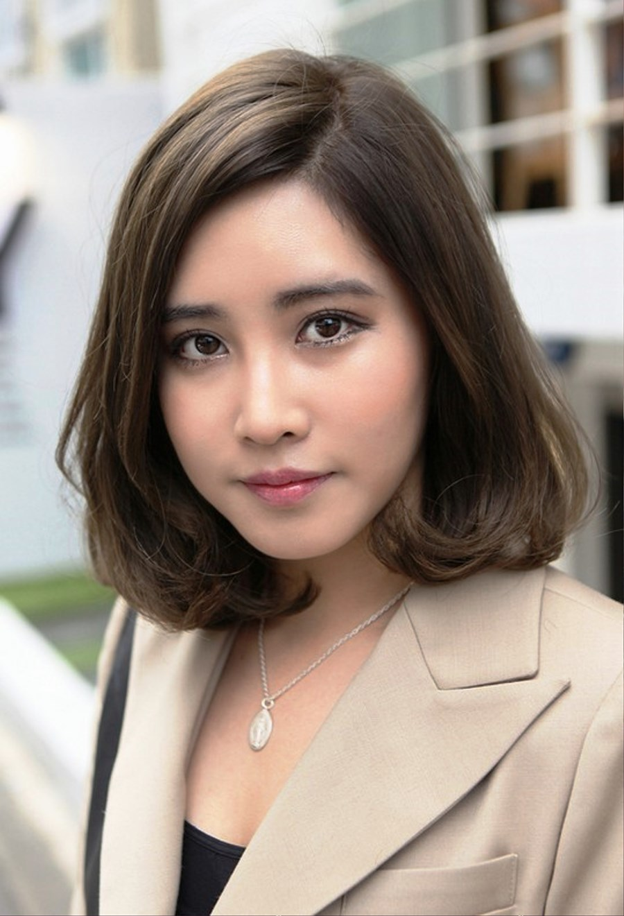 Pictures Of Short Japanese Haircut For Office Ladies