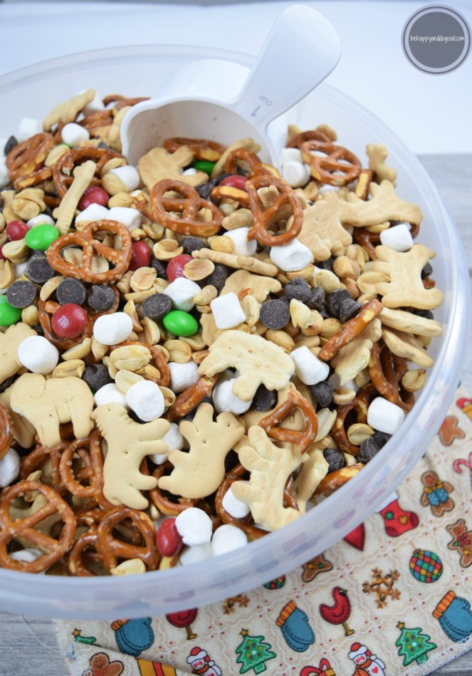 Large Batch Holiday Snack Mix: Ready in Five Minutes & Feeds 30