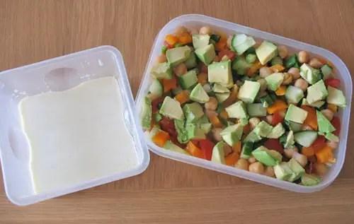 Cold chickpea salad yoghurt sauce