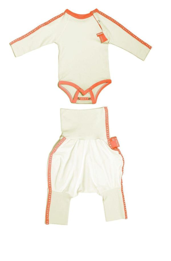 Buy online sustainable baby clothes for delicate skin.