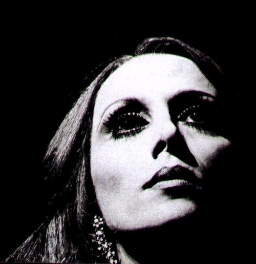 No Lebanese Singers reaction to Support Fairouz