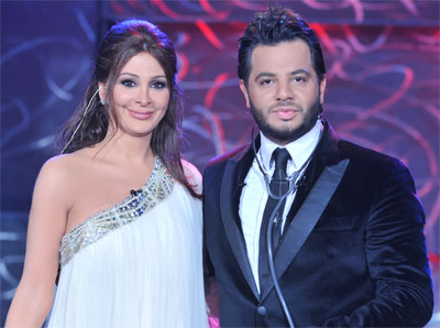 Elissa Angers Her Fans