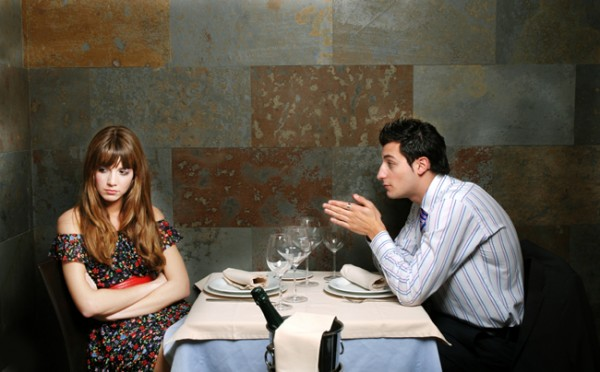 mistakes men make with women while dating e1313924008631 La Wlooo!!!...8 Stupid Mistakes Men Make With Women