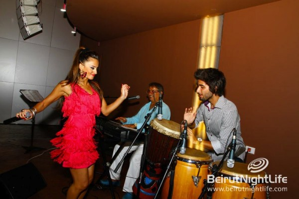 Latina Carolina Montoya Performs Exclusively at Shou Kaslik