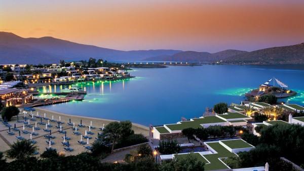 Is Jennifer Aniston Getting Married in Greece?