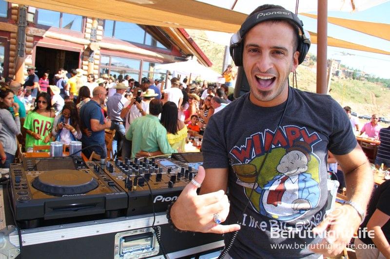 DJ MaDJam Pumps Up the Fun at Rikky'z