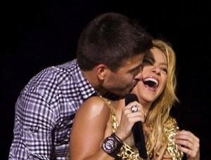 Shakira is not Pregnant..