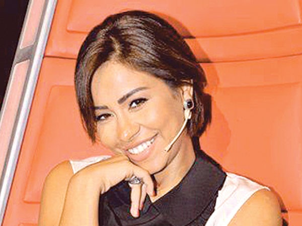 "Sherine insults ""The Voice"" Crowds"