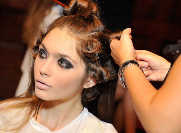 Elena V to launch Ukrainian line during NY Fashion Week
