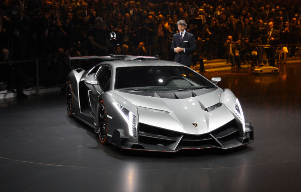 Lamborghini Veneno finally, officially unveiled
