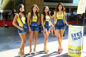 EFES Beer Cools Off Visitors of Virgin Megastore Opening