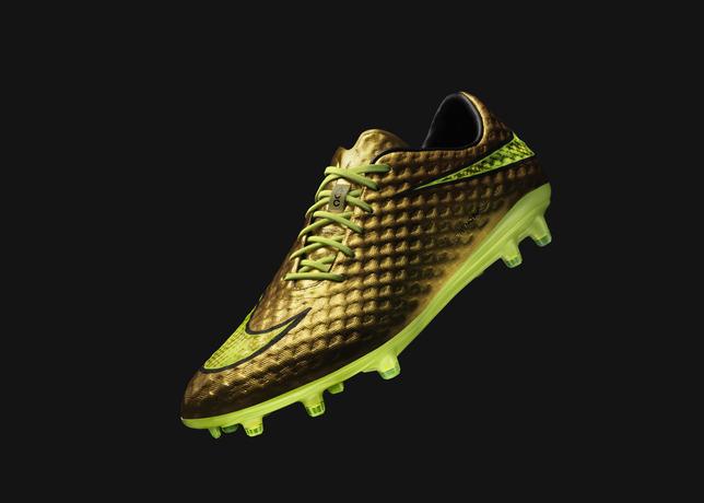 Neymar Jr. and Nike Introduce Gold Hypervenom Special Edition