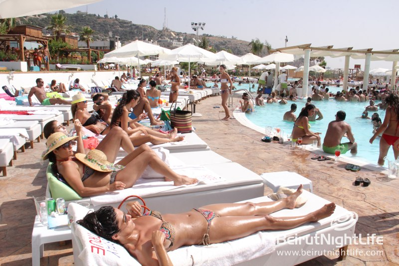 Roasting in the Sun at Praia Beach!