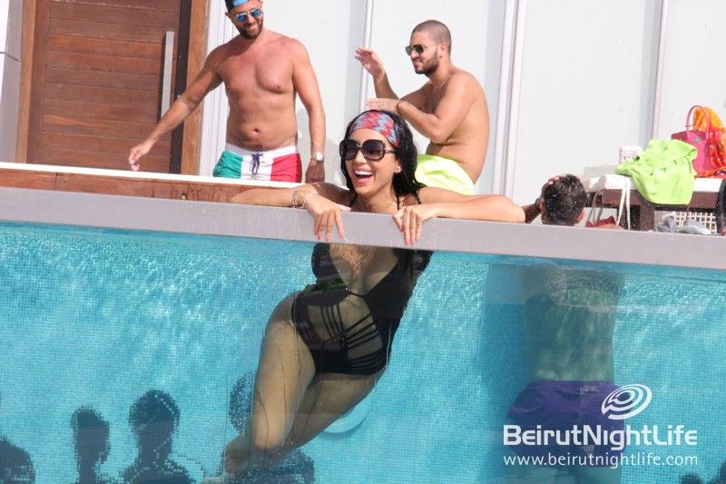 Super Hot Peeps Getting Cool in Veer's Pool