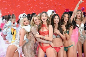 Outrageous photos from this year's Victoria's Secret fashion show