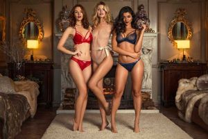 Best Christmas lingerie for 2016: Top women's underwear sets for gifts and party season