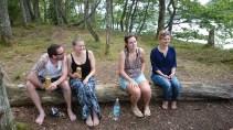 Fyra personer på en pinna