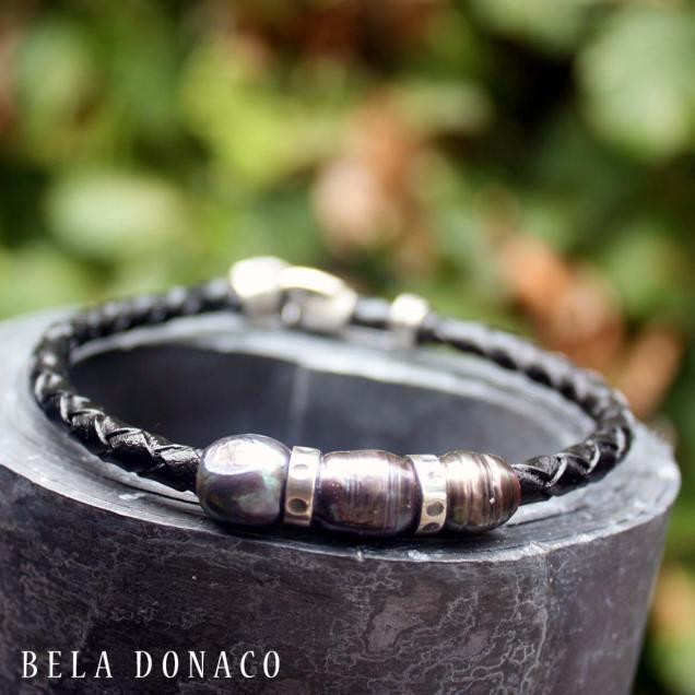 Armband met zwarte zoetwater parels, geoxideerd sterling zilver en leer