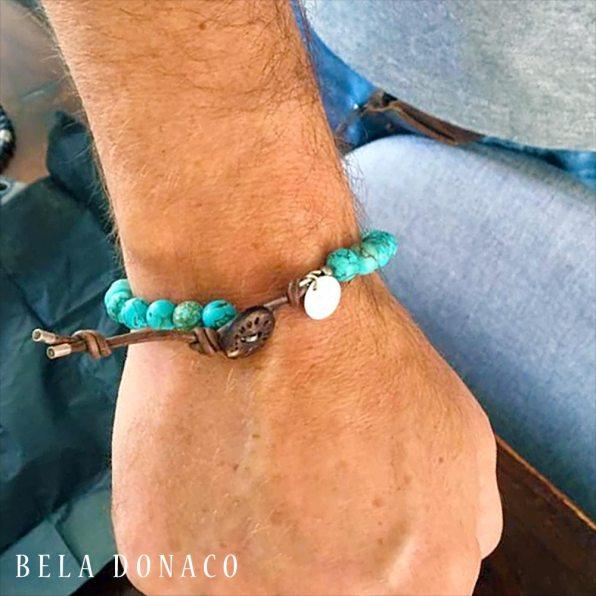 Armband voor Karin haar man die was stuk gegaan. Ergens achter blijven hangen.
