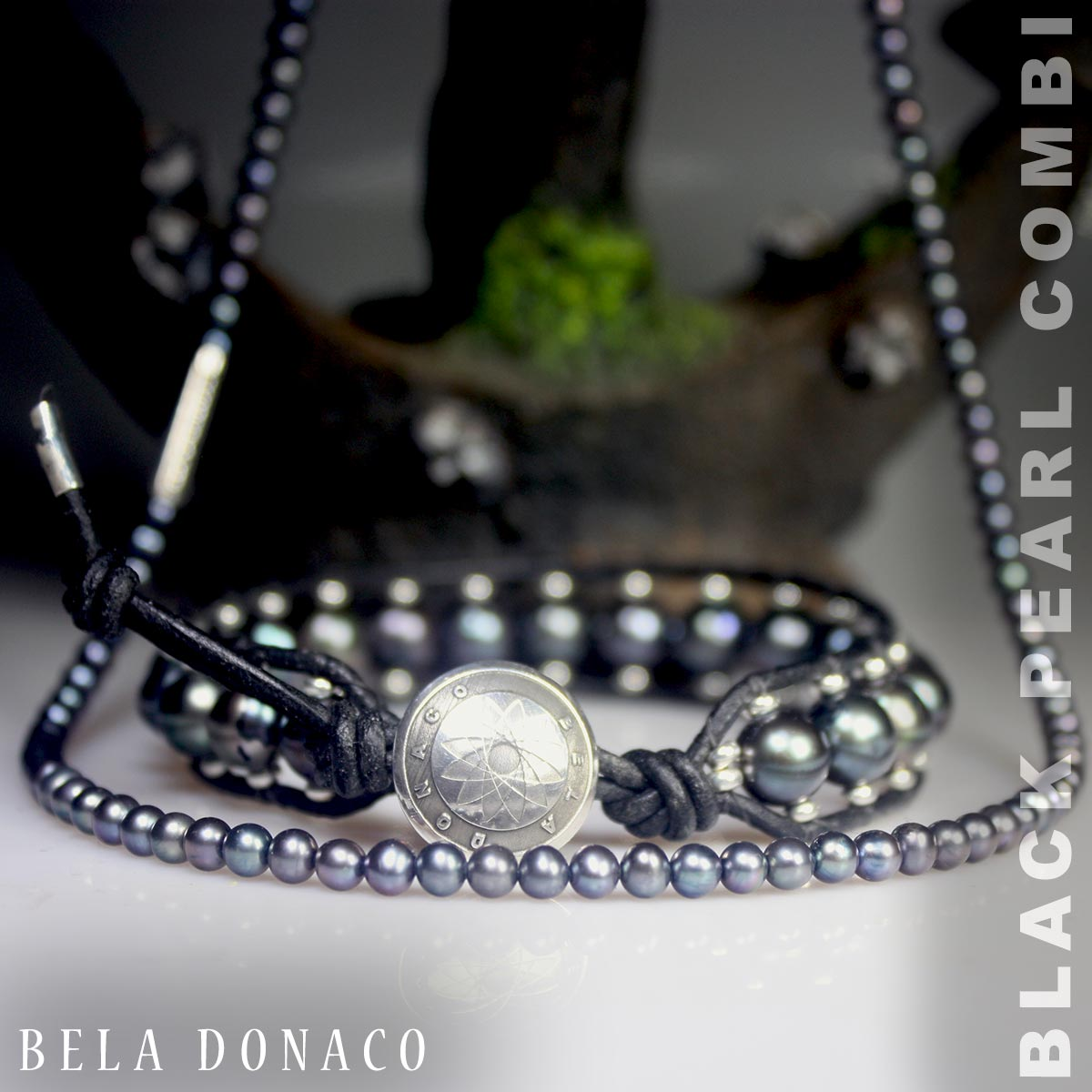 Prachtige combinatie van een parelarmband en parelketting met zwarte parels