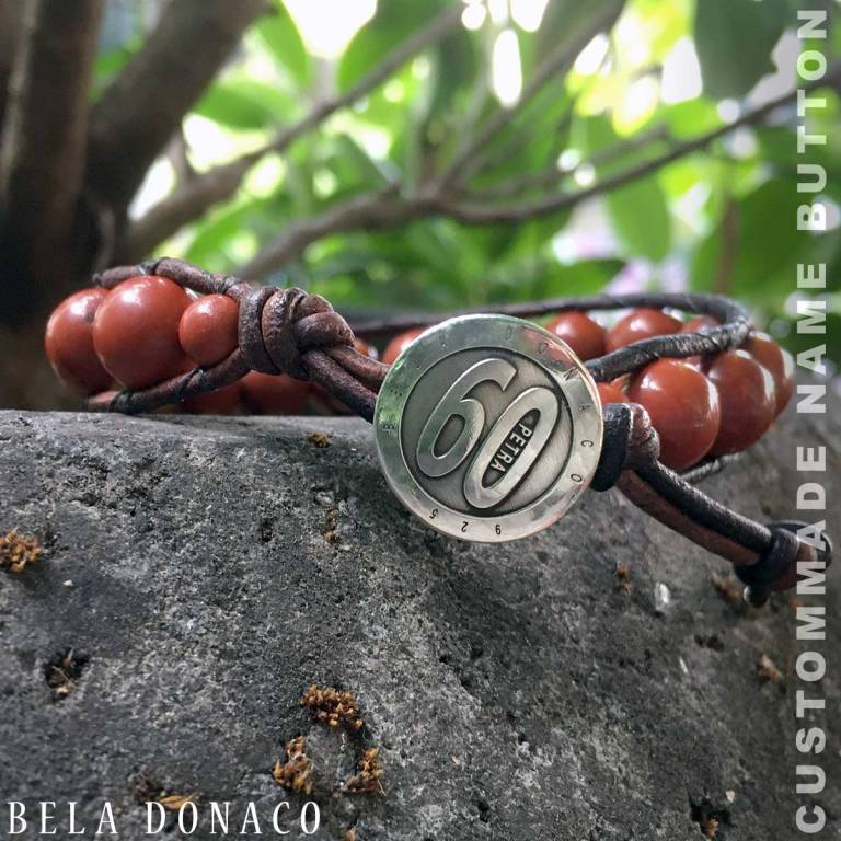 Bela Donaco custom-made button