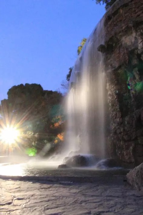 Waterfall, castle hill, things to do in nice france