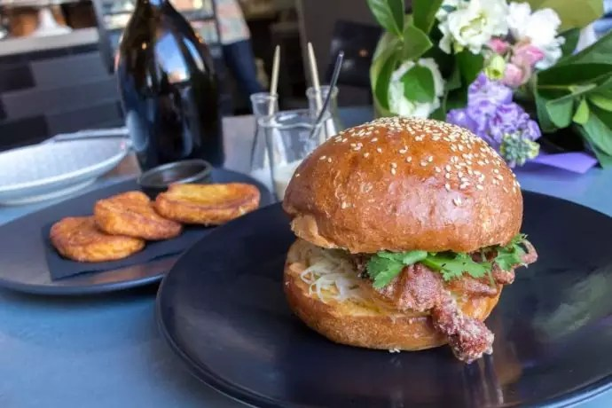 soft shell crab burger hammer & tong melbourne, melbourne must eat, must try food in melbourne, what to eat in melbourne, must try restaurants in melbourne. melbourne foods, best food in melbourne, things to eat in melbourne, melbourne famous food