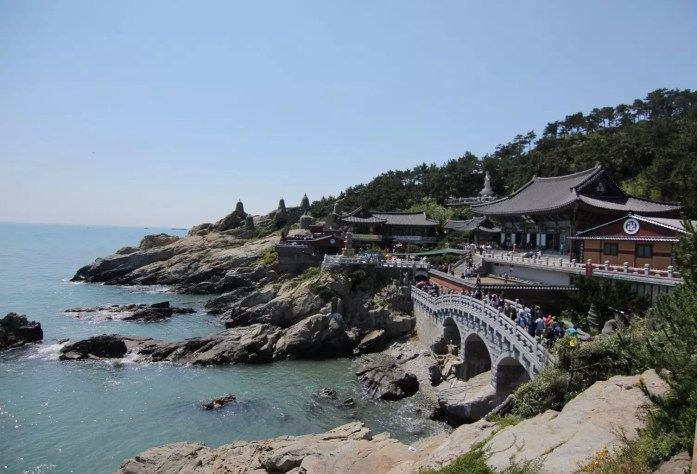 Haedong Yonggungsa Temple | What to to Do, See and Eat in Busan Korea