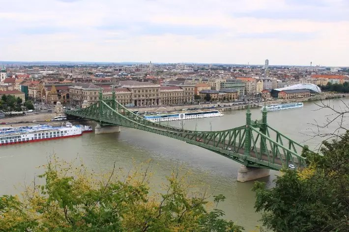 things to do in budapest, what to do in budapest, what to eat in budapest, liberty bridge