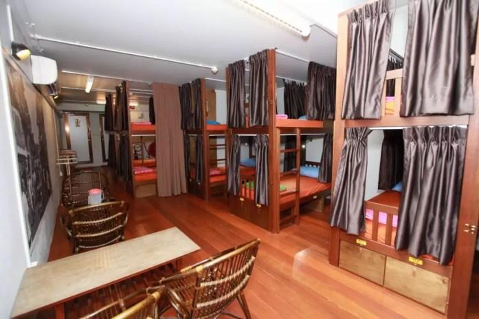 60s-hostel dorm singapore budget hostel